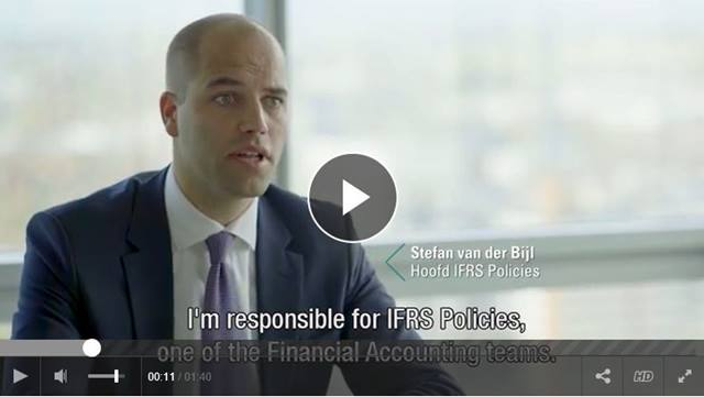 Cover Head of IFRS Policies Stefan van der Bijl: door de cijfers zie je de bank in al haar facetten
